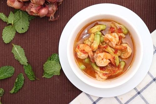 Dok Kae sour soup