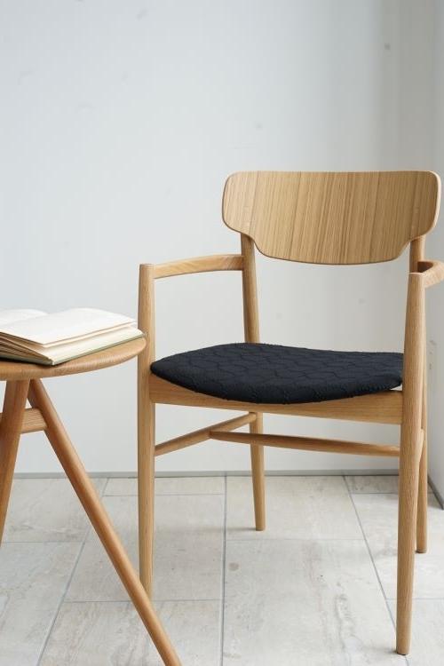 minaaoyamaサイドテーブルとスタイリング