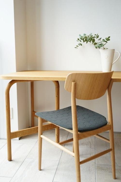 aoyamaダイニングテーブルとスタイリング
