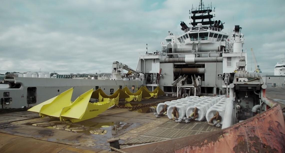世界最大の浮体式洋上風車-07