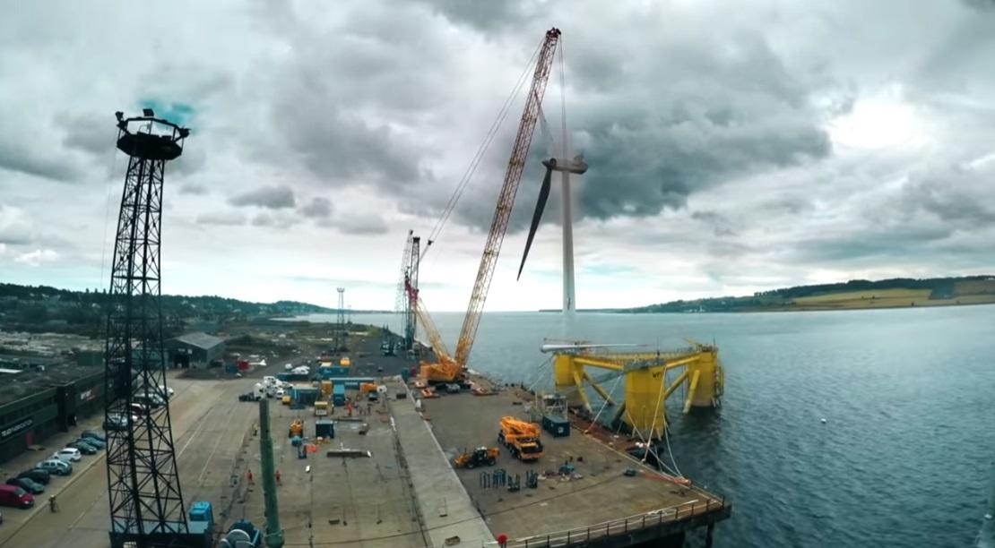 世界最大の浮体式洋上風車-15