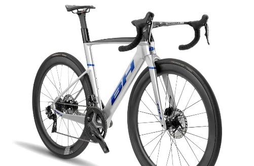 2022-BH-Aerolight-lightweight-aero-carbon-all-rounder-road-bike_angled.jpg
