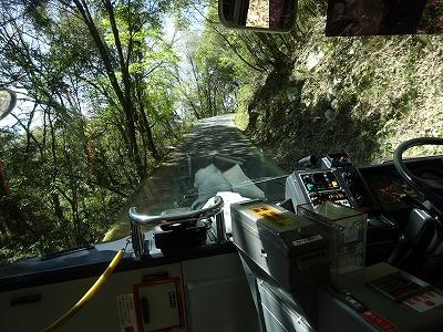 バスで登り中