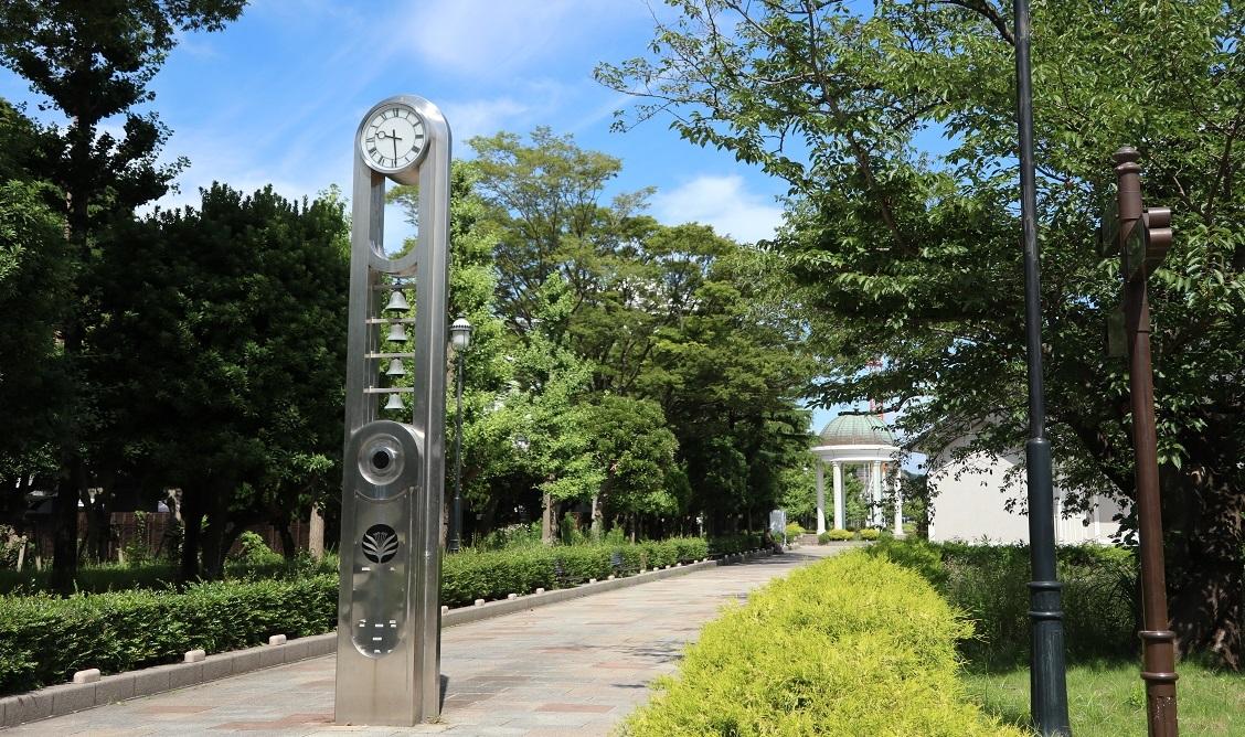 ヴェルニー公園時計塔実写